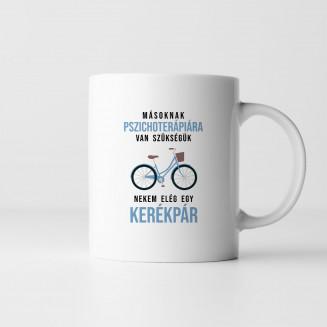 Másoknak pszichoterápiára van szükségük, nekem elég egy kerékpár